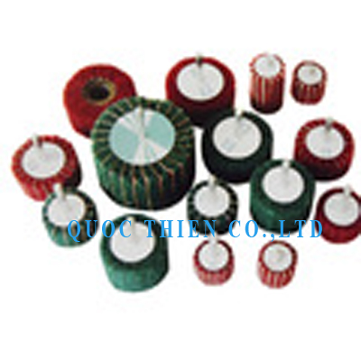 NICE02 - Non Woven Abrasive Interleaved Flap Wheel